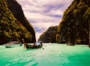 море, скалы, лодка