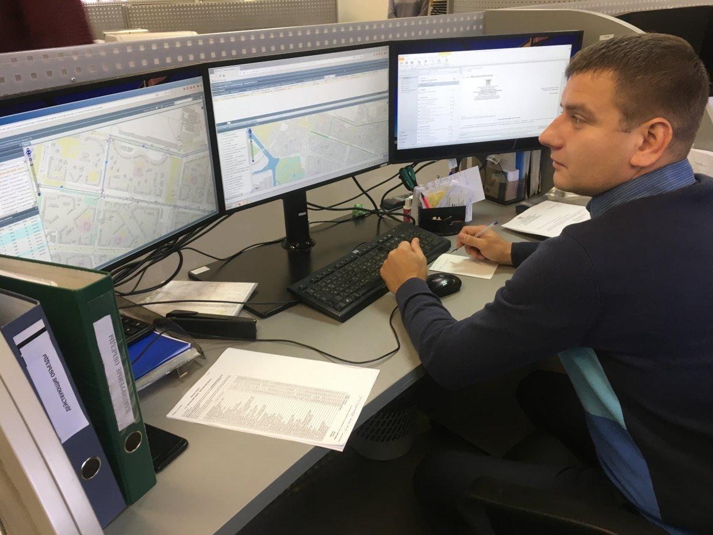 Диспетчер: обязанности, возможное место работы и требования к специалисту